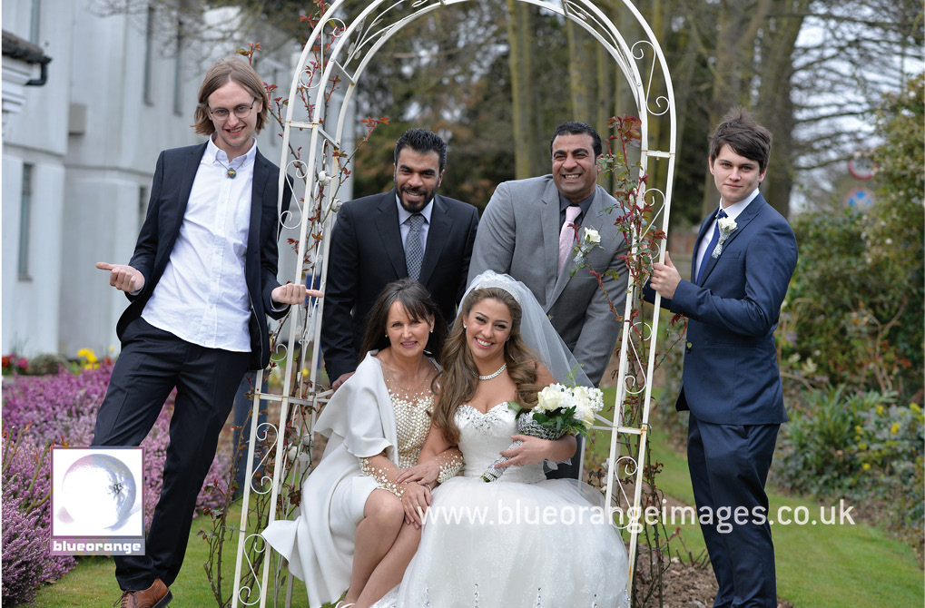 Wedding family photo St Albans, Herts
