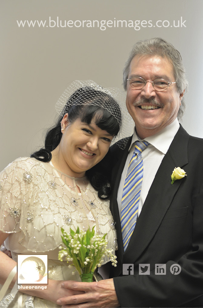 Watford registry office wedding: Carrie & Matt's wedding, photo with her father