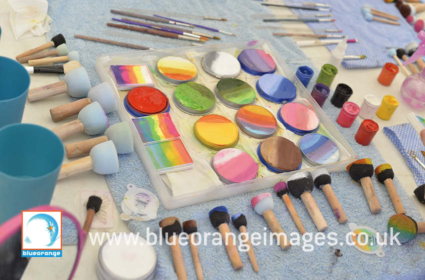 Blue Orange Images – face painting set-up, Ashridge, Tring